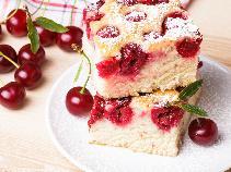 Ciasto czereśniowe z twarogiem: prosty przepis