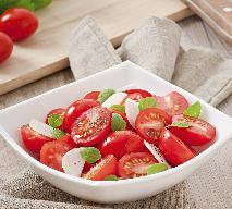 Turecka sałatka z pomidorów i papryki [sprawdzony przepis]