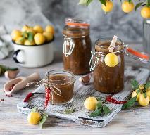 Tkemali z mirabelek: przepis na gruziński sos do mięsa