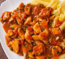 Łatwy gulasz z filetu drobiowego w pomidorach