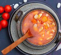 Zupa fasolowa z beszamelowymi kluseczkami