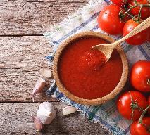 Przecier pomidorowy: baza do zup i sosów