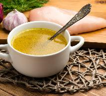 Zupa czosnkowo-imbirowa na bulionie drobiowym