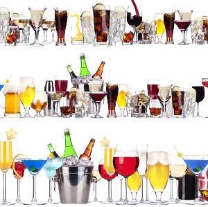 Dietetyczne drinki alkoholowe na wakacyjną imprezę [PRZEPISY]