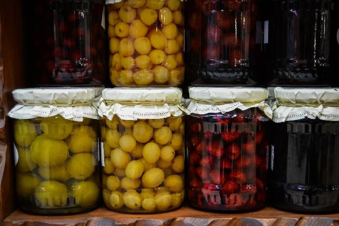 Kompoty na zimę: czereśnie, wiśnie, śliwki