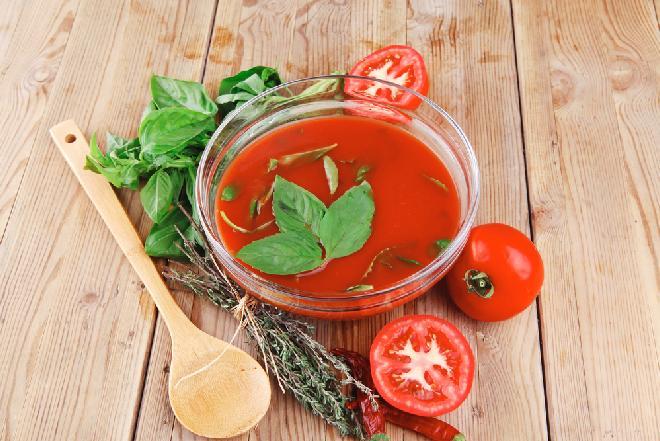 Krem pomidorowy z tymiankiem z menu beszamel