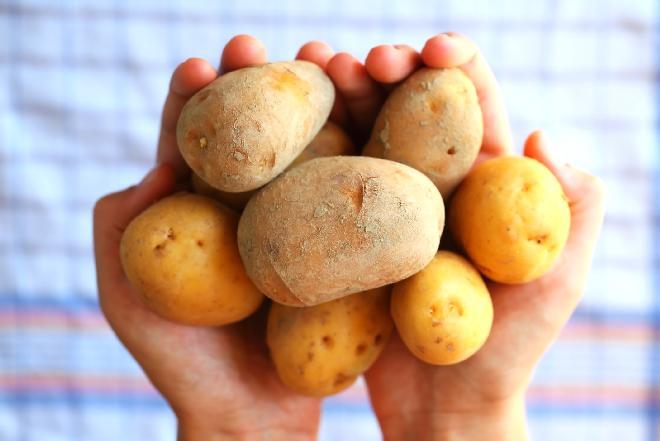 Zapiekanka z ziemniaków i pomidorów: jesienny hit