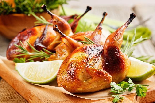 Pieczone przepiórki: idealne na odświętny obiad!