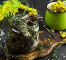 Karp marynowany z warzywami - pomysł na karpia w słoiku