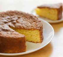 Domowy biszkopt bez jajek: przepis na puszyste ciasto bezjajeczne