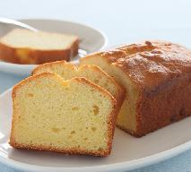 Puszyste ciasto na mleku skondensowanym: łatwy przepis z 4 składników
