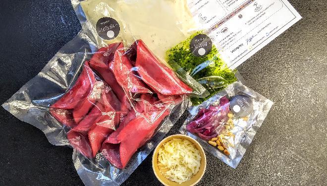PASTA BOX - różowe ravioli z ragout cielęcym