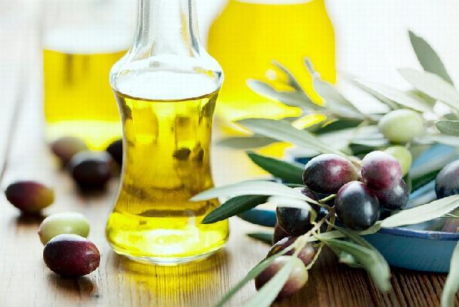 Oliwa z oliwek – poznaj jej zalety i wady