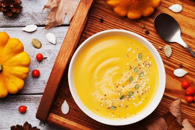 Aromatyczna zupa dyniowo-batatowa