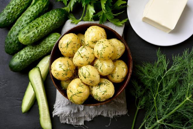 Jak gotować ziemniaki, by nie tracić witamin?