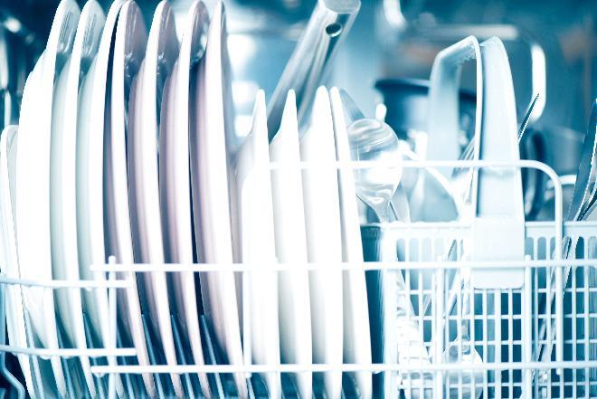 Konserwacja zmywarki: jak poprawić działanie zmywarki?
