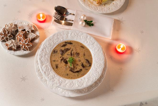 Zupa grzybowa: przepis na tradycyjne wigilijne danie